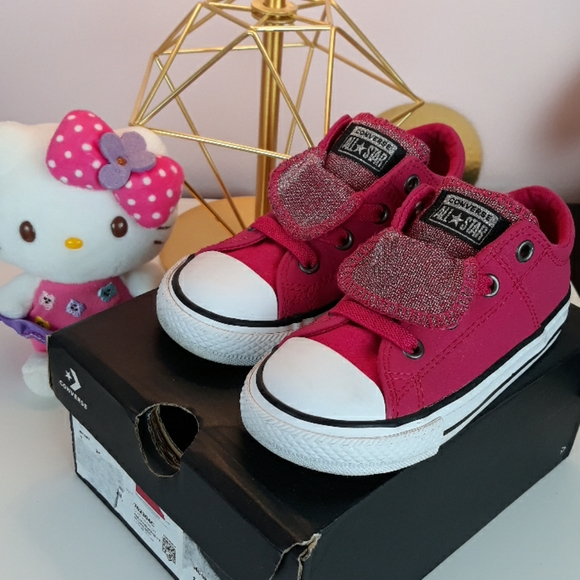 pink converse for baby girl
